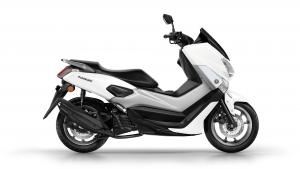 2017-Yamaha-NMAX-EU-Milky-White-Studio-002